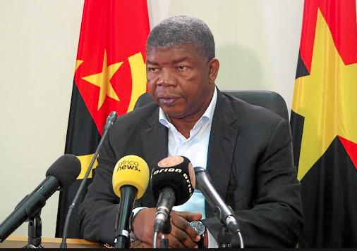 A Luanda, Tshisekedi aura environ une heure de tête-à-tête avec Lourenço