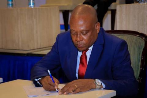 RDC : Le Front Patriotique 2023 de Steve Mbikayi dévoile ses objectifs .