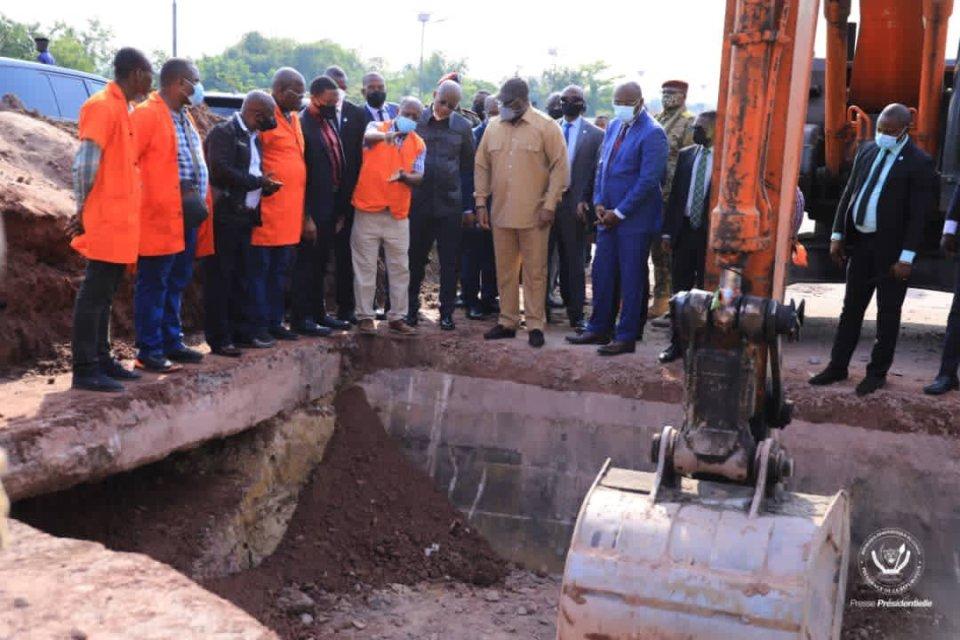 Kinshasa: Félix Tshisekedi ordonne d'urgence le lancement des travaux pour la réhabilitation du pont Ndjili.