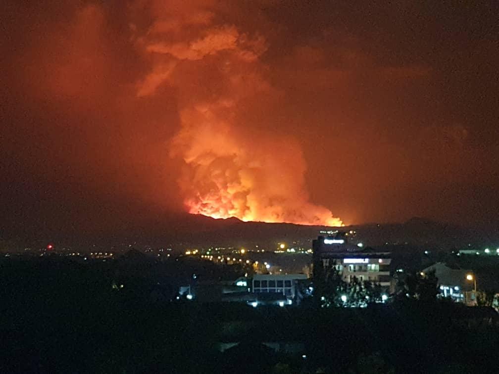 Une forte intensité du volcan à partir de Nyiragongo.
