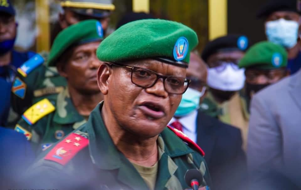 État de siège: Le Gouverneur militaire du Nord-Kivu lance une mise en garde aux militaires qui vendent des armes aux groupes rebelles.